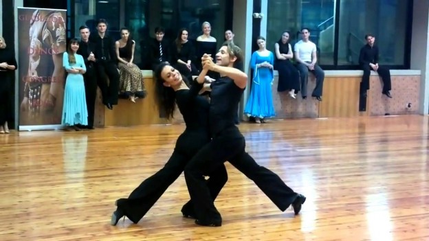 """DK | Mirko Gozzoli & Simona Fancello – Slow Waltz | Gladiators Congress"" を YouTube で見る"